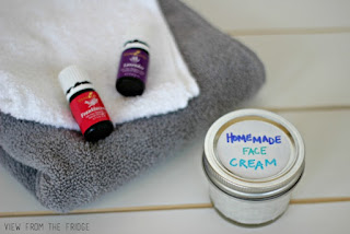 Homemade Face Cream - 25 Essential Oil DIYs RoundUp