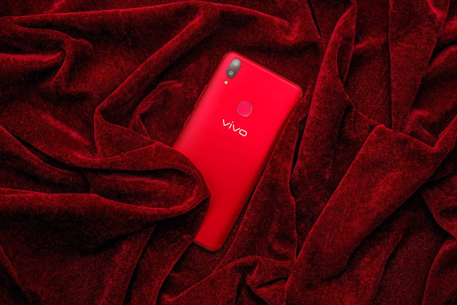 LOOK: Vivo V9 stuns in elegant Velvet Red