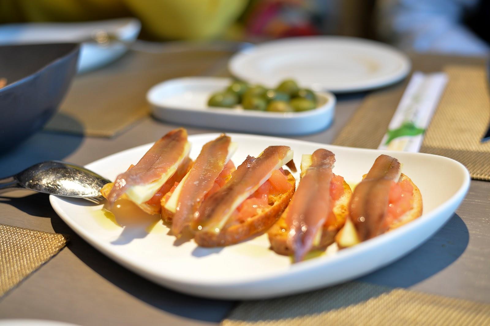 nimu azotea rooftop restaurant leon menu anchoas anchovies starters picoteo