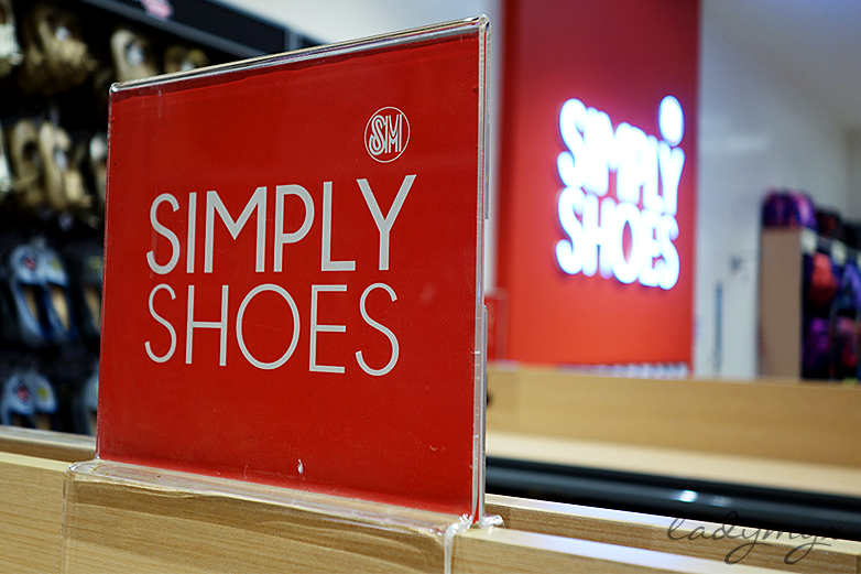 Simply Shoes: YOUR EVERYDAY-SHOE STORE