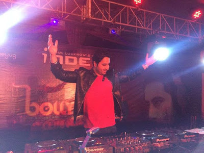 honoured-to-share-stage-with-hardwell-dj-khushi