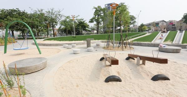 《台中.南屯》豐樂雕塑公園|湖水岸藝術村|特色公園|磨石子溜滑梯|跑酷練習區