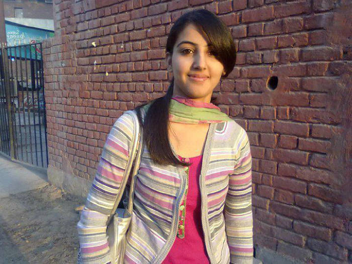 Beautiful Pakistani Girls Photos
