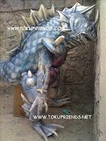 http://4.bp.blogspot.com/-HkMkhUiQuy8/VneBxJsVPXI/AAAAAAAAFIs/s6U6dzJztwQ/s1600/armor_hero_backstages_4.jpg