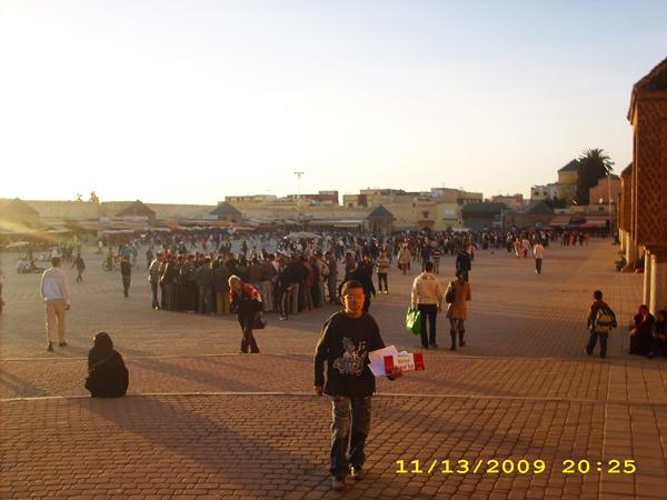 piata-centrala-meknes