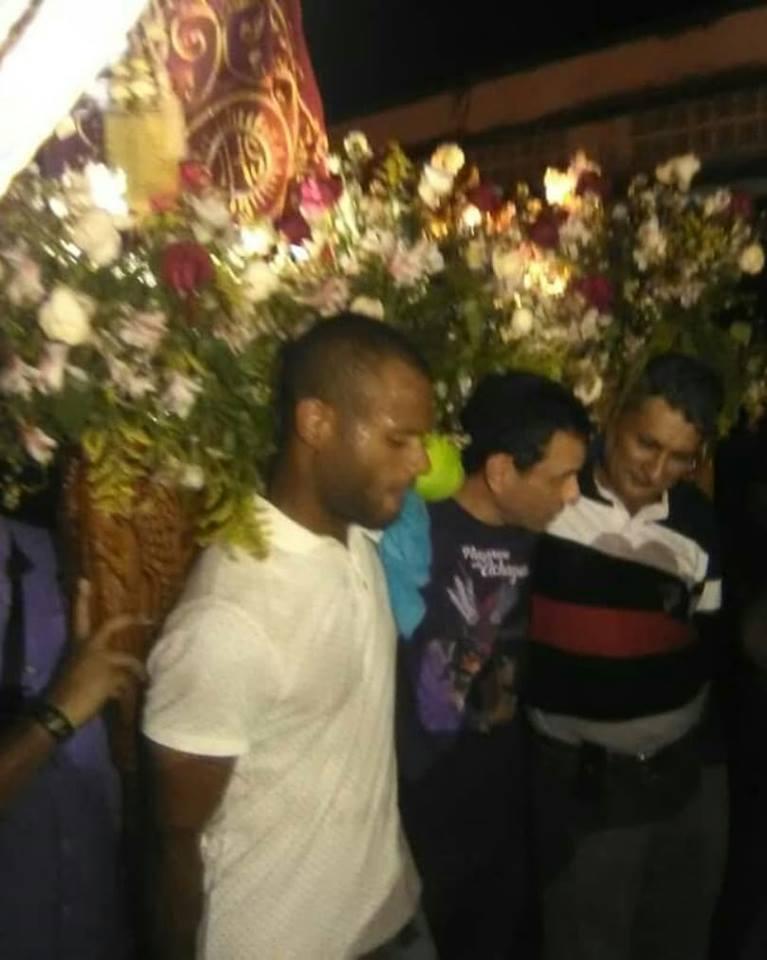 APURE: Henrique Capriles visitó el Nazareno de Achaguas este miércoles santo.