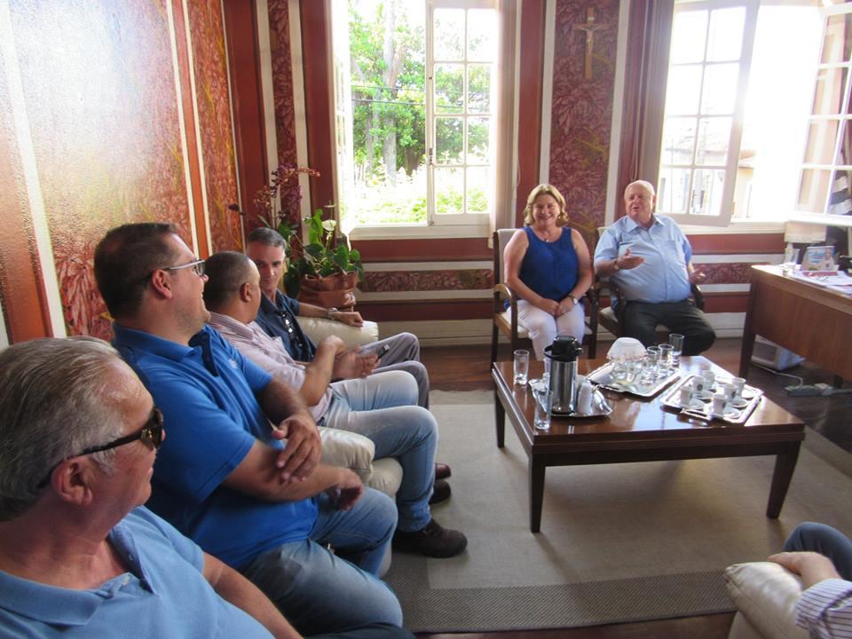 Vereadores entregam pedidos ao deputado estadual reeleito Barros Munhoz