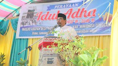 Bupati Boltim, saat menyampaikan ceramah pada perayaan Idul Adha di kabupatem Mitra.