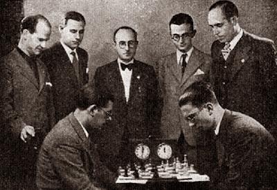 Partida Medina - Martínez Mocete en el Torneo de Ajedrez Zaragoza 1942