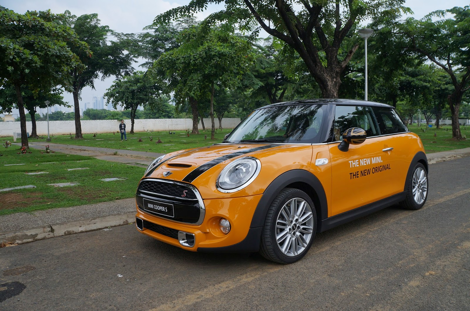 My Mini And Me Driving The Cooper S In Metro Manila