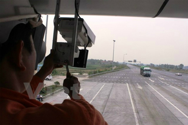 Triển Khai Hệ Thống Camera Phạt Nguội Trên Đường Cao Tốc