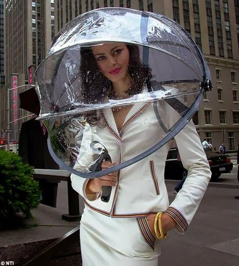 http://trend911.com/2008/02/29/new-fashionable-umbrellas/