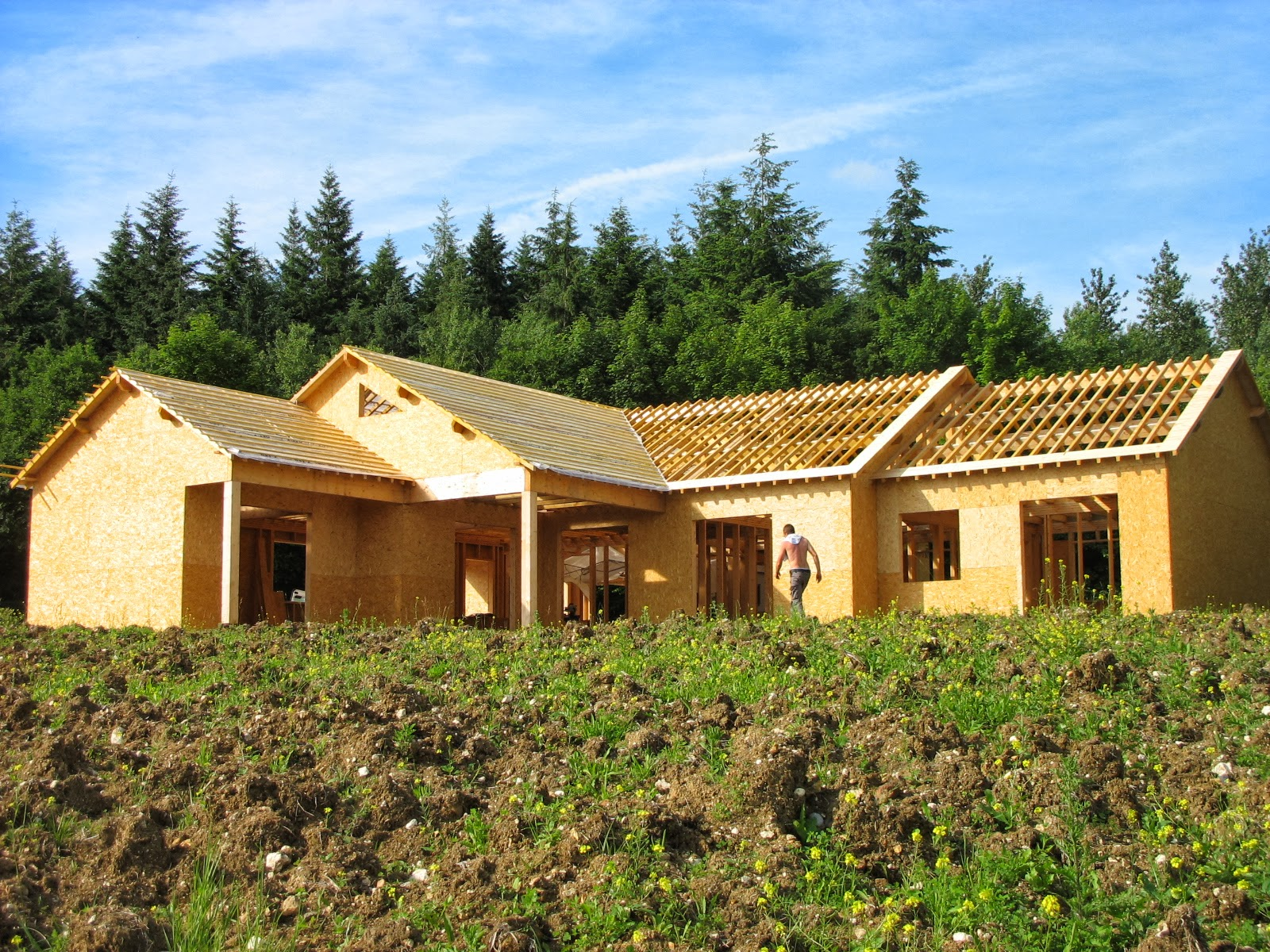 construire sa maison en bois la maison prend forme. Black Bedroom Furniture Sets. Home Design Ideas