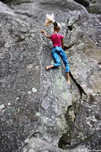 Barbie a fait de l'escalade à Fontainebleau (C) Greg Clouzeau