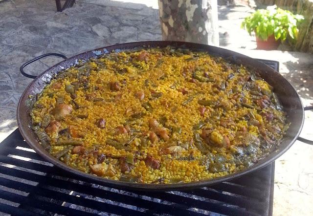 Paella Valenciana de Leña