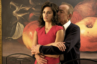 Penélope Cruz (as Lena in ravsihing red dress) and José Luis Gómez in Broken Embraces, Broken embraces (2009), Directed by Pedro Almodóvar