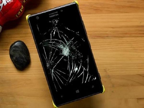 man hinh Nokia Lumia bi vo