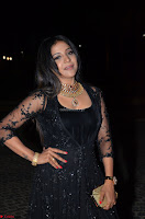 Sakshi Agarwal looks stunning in all black gown at 64th Jio Filmfare Awards South ~  Exclusive 095.JPG