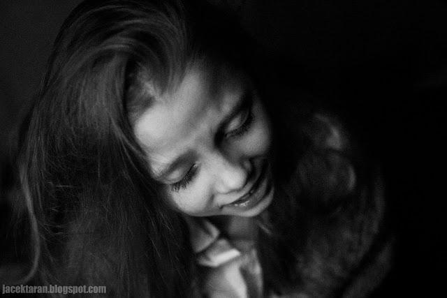 fotografia dzieci, portret, krew, jacek taran, fotografia czarno-biala