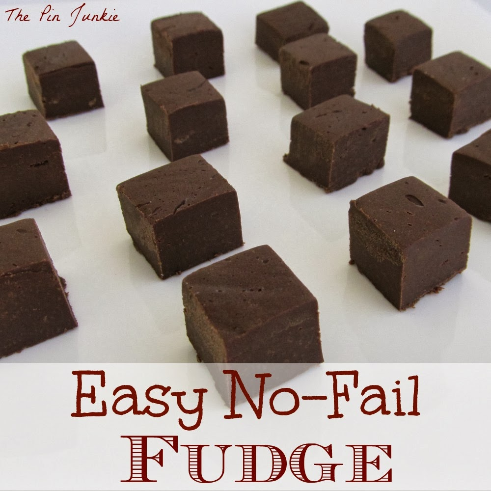 http://www.thepinjunkie.com/2013/12/easy-fudge-recipe.html
