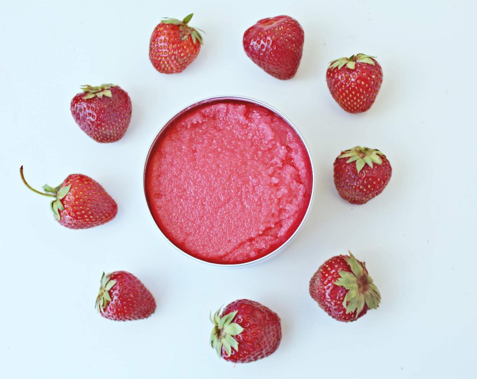 OH!TOMI Strawberry body scrub - kolekcja DREAMS