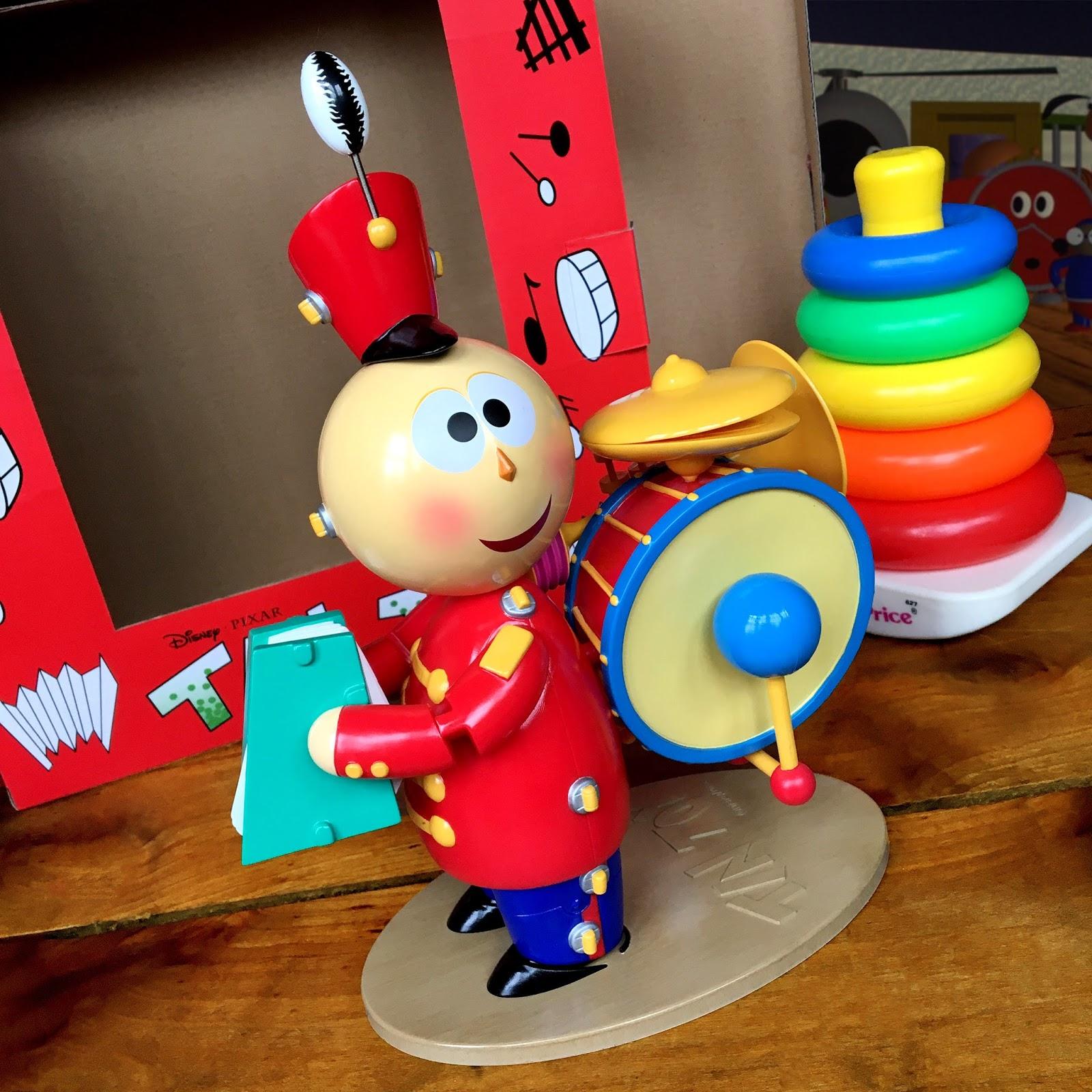 Toys For Tots Logo No Background : Dan the pixar fan tin toy tinny replica