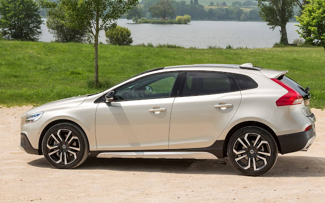 Volvo V40 2017 Cross Country -- R$ 156.900 reais