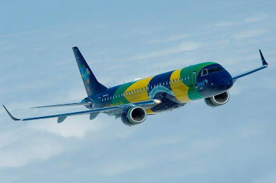 Resultado de imagem para fotos de aviao com a bandeira do brasil