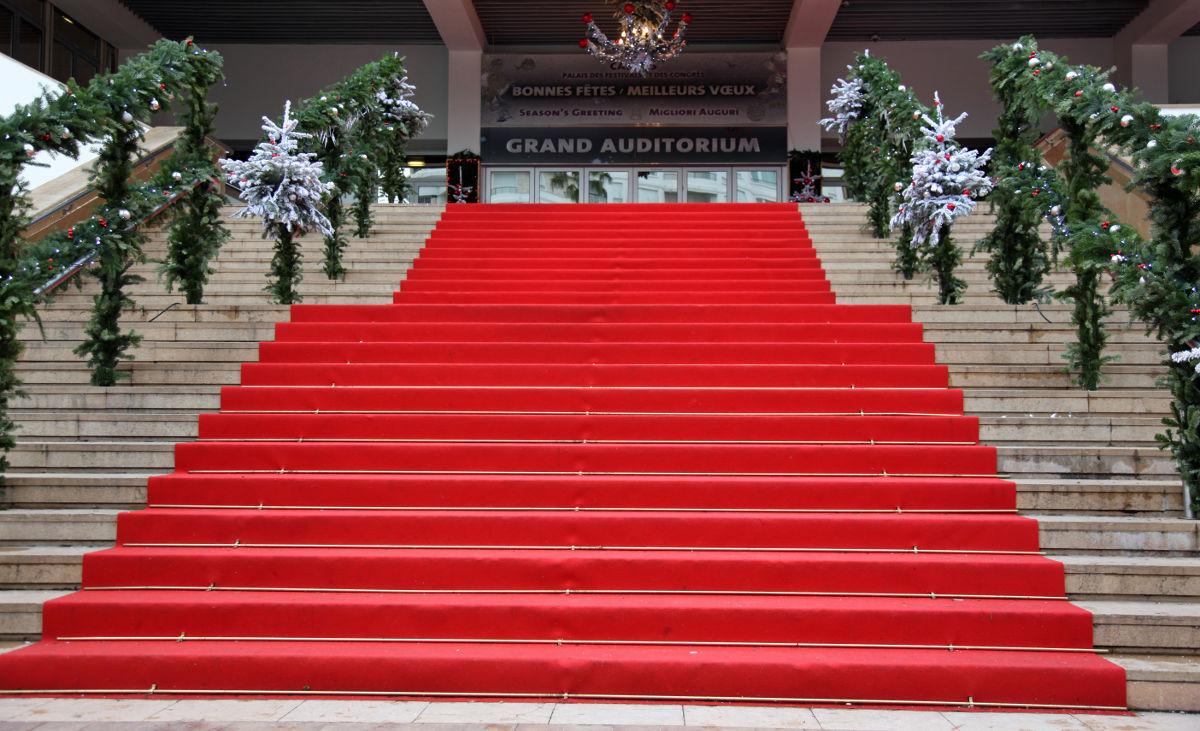 le monde selon mo d rouler le tapis rouge. Black Bedroom Furniture Sets. Home Design Ideas