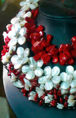 ethnic style pearl and coral necklace red and white