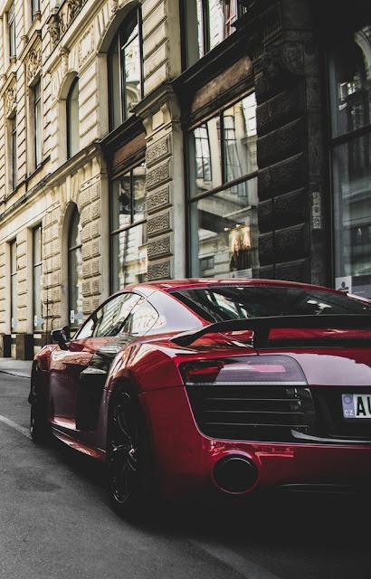 Audi R18 rear