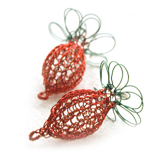 radish wire crochet earrings