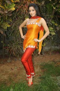 Bhojpuri-Young-Girl-And-Actress