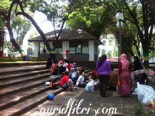 http://www.nurulfitri.com/2017/09/taman-kota-ruang-publik-yang-bermanfaat.html