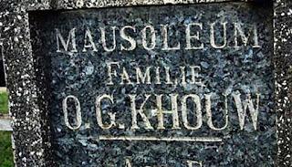 http://www.teluklove.com/2017/04/pesona-keindahan-wisata-mausoleum-og.html