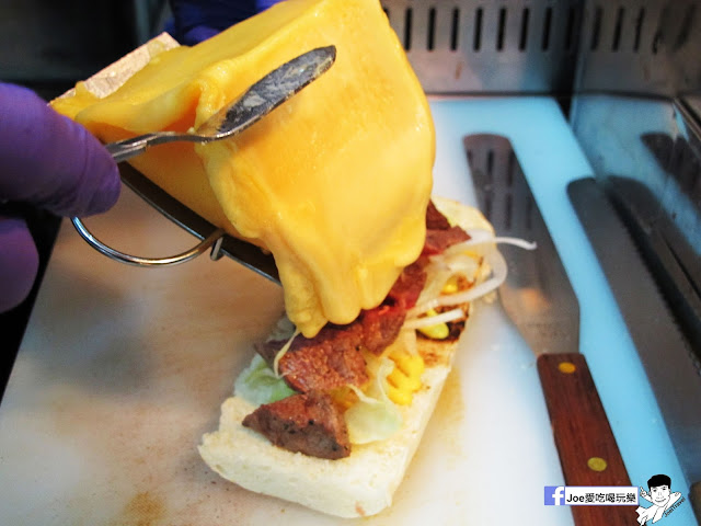 IMG 4899 - 【熱血採訪】NickJu 尼克啾 碳烤法式三明治 位於中國醫附近的尼克啾 NickJu 主打法式三明治,把餐廳所用的食材搬到街頭,讓客人用平價價格吃到高檔美味