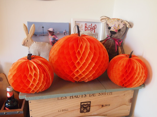 honeycomb pumpkins from Party Pieces