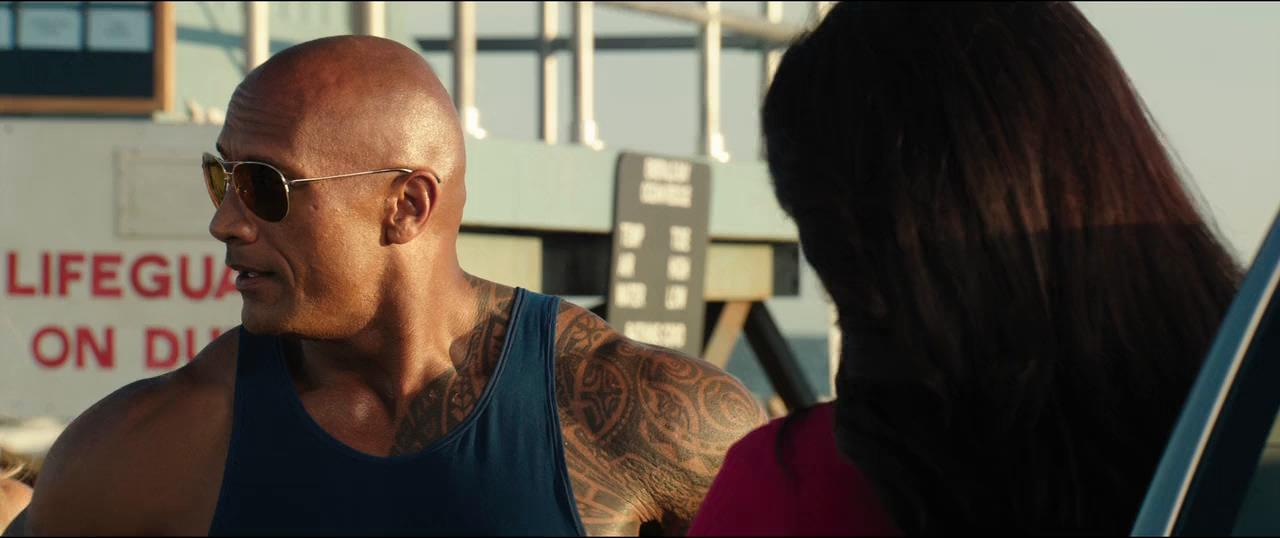 Baywatch Guardianes de la bahía (2017) Unrated BRRip 720p Latino - Ingles captura 4