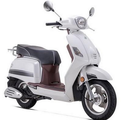 Perkembangan motor matic di indonesia yang semakin pesat memang menciptakan banyak pabrikan m Harga Benelli Seta 125, Review & Spesifikasi September 2017
