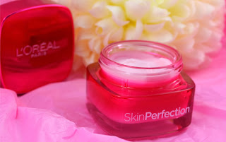 Loreal - Skin perfection moisturser - skincare - day moistursier - swatch - review