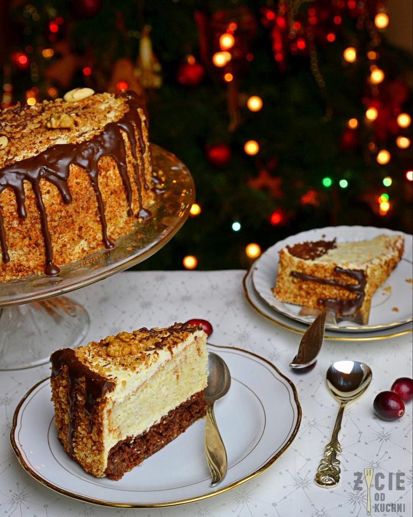 tort noworoczny, tort orzechowy