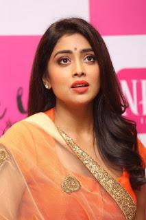 Actress Shriya Saran Latest Pictures at The Label Bazaar Curtain Raiser Event  0019