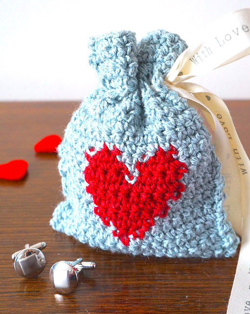 https://www.ravelry.com/patterns/library/valentines-day-gift-bag