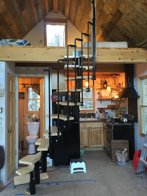 Tiny House Spiral Staircase: Done!