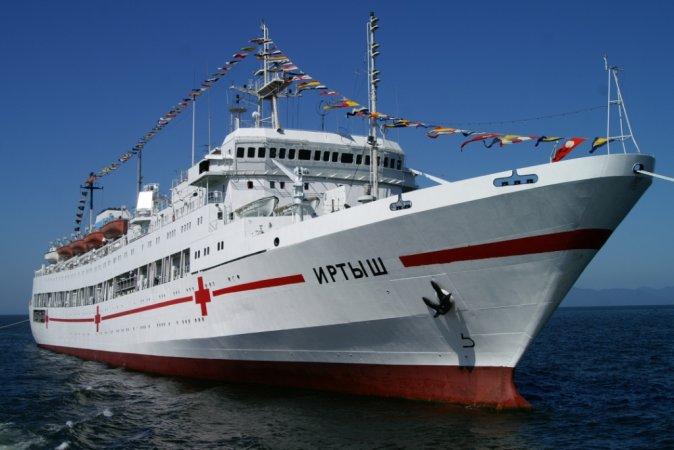РФ може придбати в КНР вживані судна для переобладнання у шпиталі