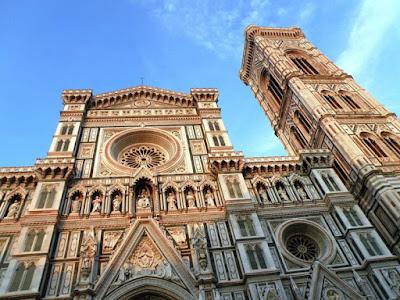 8e92c5aa4 A fachada gótica do Duomo é de 1887. A imponência externa da catedral  constrasta com o interior simples (Eduardo Jun Marubayashi/Reprodução)