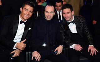 Wow!! Lagi-Lagi Lionel Messi Sabet Ballon D'Or Keempat