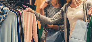 «Μην φορέσετε ποτέ κάτι χωρίς να το πλύνετε» – Μία εργαζόμενη στα Ζara λέει αυτά που δεν γνωρίζαμε