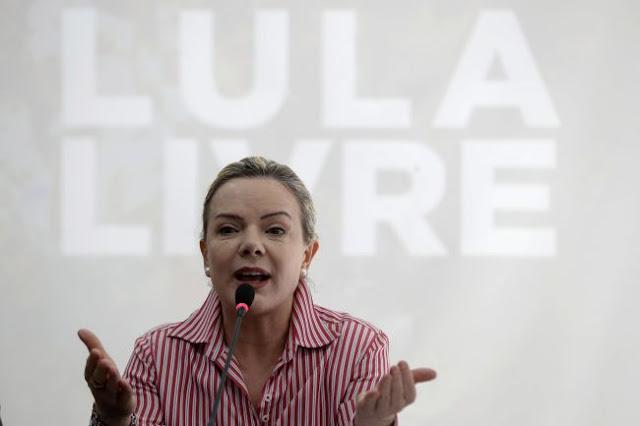 Presidente do PT diz que espera libertação de Lula da Silva ainda esta quarta-feira