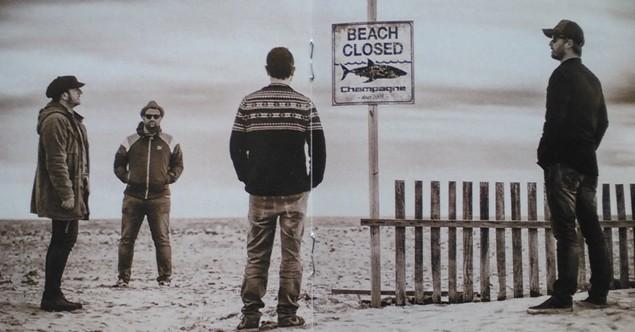 CHAMPAGNE - Beach closed 2